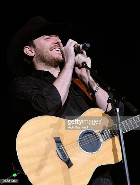 Singer Chris Young attends the IEBA 2009 Honors at Ryman Auditorium on October 12 2009 in Nashville Tennessee