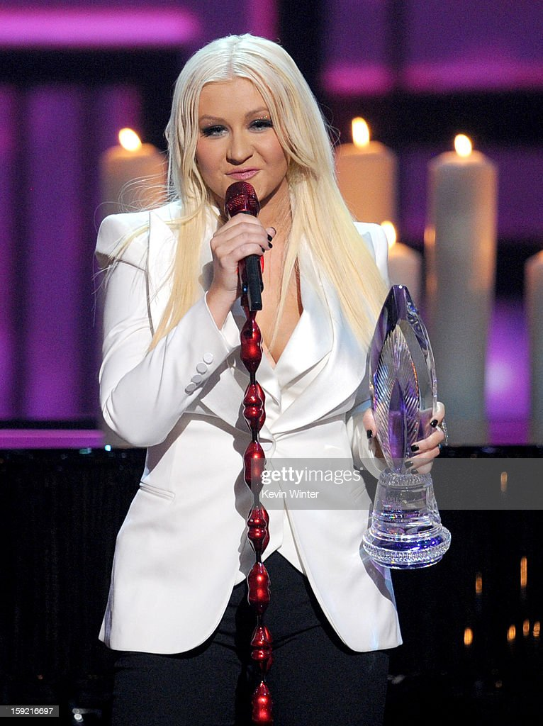 Singer Christina Aguilera accepts the People's Voice Award onstage at the 39th Annual People's Choice Awards at Nokia Theatre L.A. Live on January 9, 2013 in Los Angeles, California.