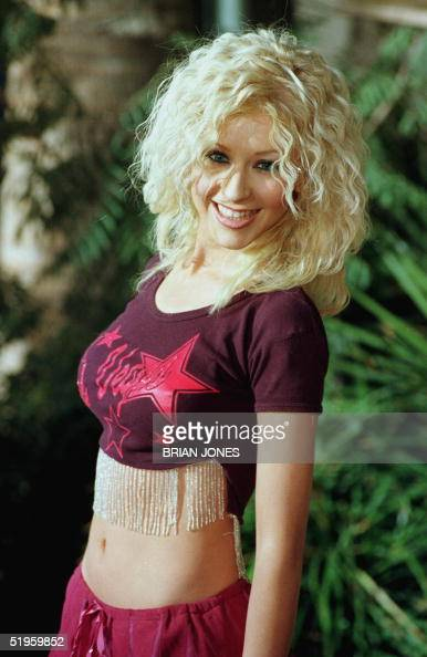 US singer Christina Aguilera arrives at the 1999 Billboard Music Awards 08 December 1999 at the MGM Grand Arena in Las Vegas NV