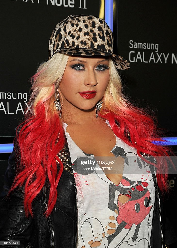 Singer <a gi-track='captionPersonalityLinkClicked' href=/galleries/search?phrase=Christina+Aguilera&family=editorial&specificpeople=171272 ng-click='$event.stopPropagation()'>Christina Aguilera</a> attends the Samsung Galaxy Note II Beverly Hills Launch Party on October 25, 2012 in Los Angeles, California.