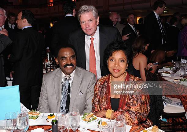 Singer Chuck Jackson Mark Dalton and actress Phylicia Rashad attend the 29th Annual Great Sports Legends Dinner to benefit The Buoniconti Fund to...