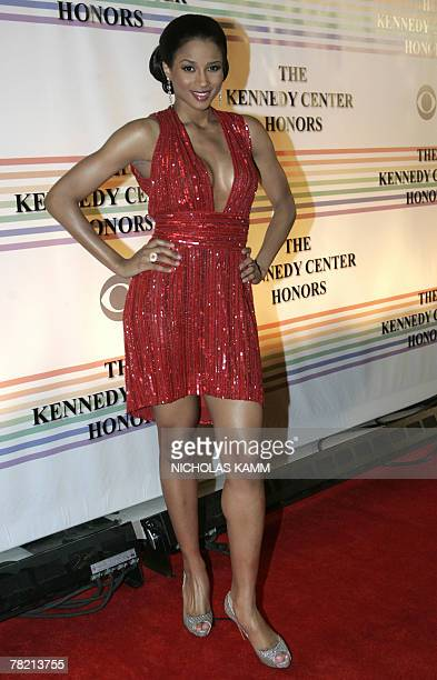 US singer Ciara poses as she arrives at the Kennedy Center Honors gala at the Kennedy Center in Washington DC 02 December 2007 US pianist Leon...