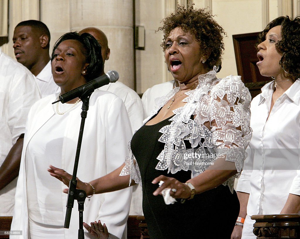 Singer Cissy Houston (2nd-R) performs during the funeral of Luther Vandross at Riverside Church July 8, 2005 in New York City.