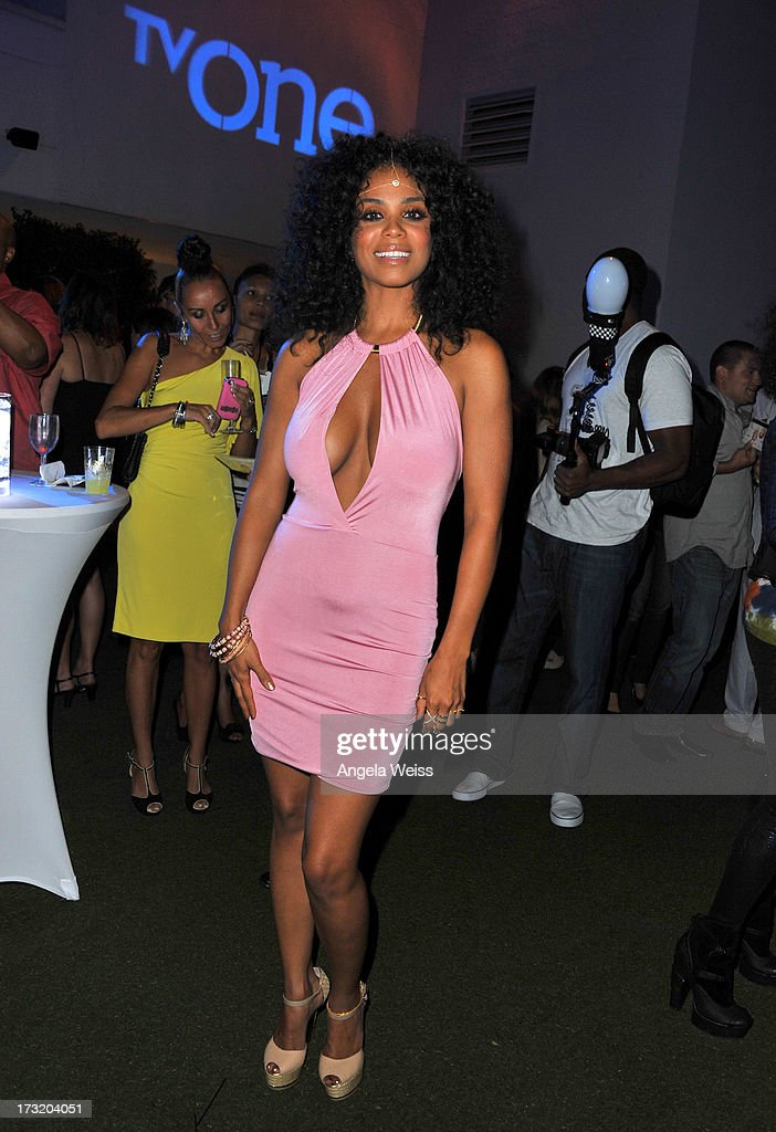 Singer <a gi-track='captionPersonalityLinkClicked' href=/galleries/search?phrase=Claudette+Ortiz&family=editorial&specificpeople=653441 ng-click='$event.stopPropagation()'>Claudette Ortiz</a> attends the 'R&B Divas LA' premiere event at The London on July 9, 2013 in West Hollywood, California.