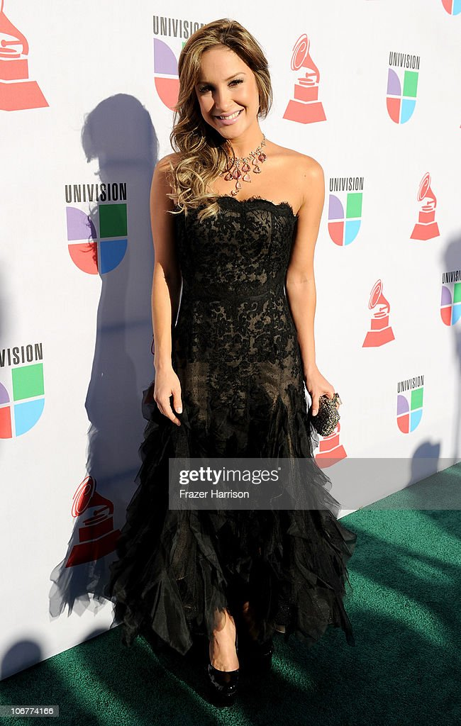 Singer Claudia Leitte arrives at the 11th annual Latin GRAMMY Awards at the Mandalay Bay Resort & Casino on November 11, 2010 in Las Vegas, Nevada.