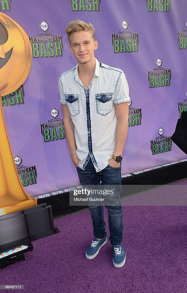 Singer <a gi-track='captionPersonalityLinkClicked' href=/galleries/search?phrase=Cody+Simpson&family=editorial&specificpeople=7068455 ng-click='$event.stopPropagation()'>Cody Simpson</a> arrives at Hub Network's First Annual Halloween Bash at Barker Hangar on October 20, 2013 in Santa Monica, California.