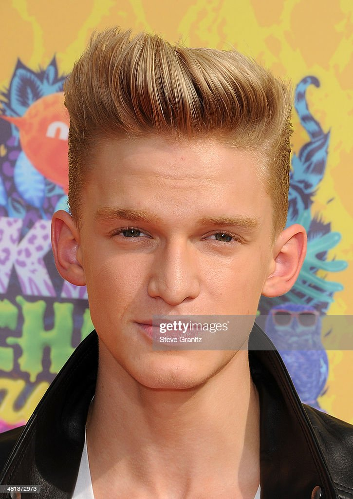 Singer <a gi-track='captionPersonalityLinkClicked' href=/galleries/search?phrase=Cody+Simpson&family=editorial&specificpeople=7068455 ng-click='$event.stopPropagation()'>Cody Simpson</a> attends Nickelodeon's 27th Annual Kids' Choice Awards held at USC Galen Center on March 29, 2014 in Los Angeles, California.
