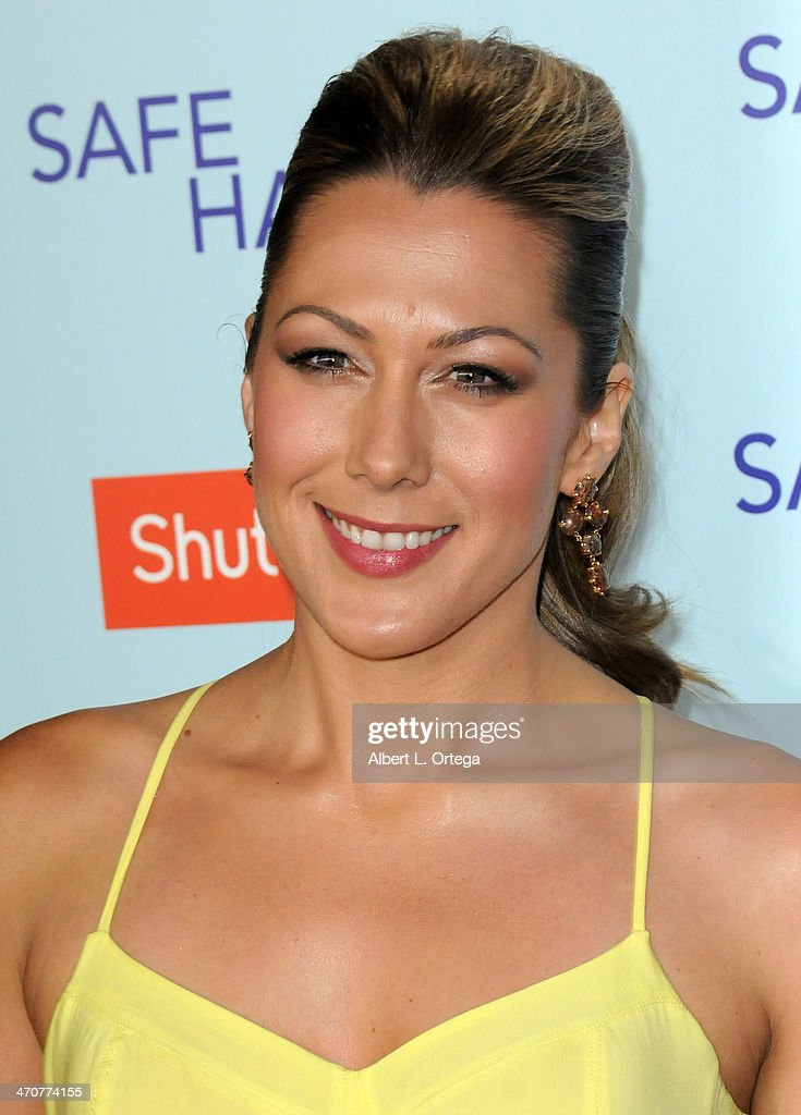 Singer <a gi-track='captionPersonalityLinkClicked' href=/galleries/search?phrase=Colbie+Caillat&family=editorial&specificpeople=4410812 ng-click='$event.stopPropagation()'>Colbie Caillat</a> arrives for the Premiere Of Relativity Media's 'Safe Haven' held at The TCL Chinese Theater on February 5, 2013 in Hollywood, California.