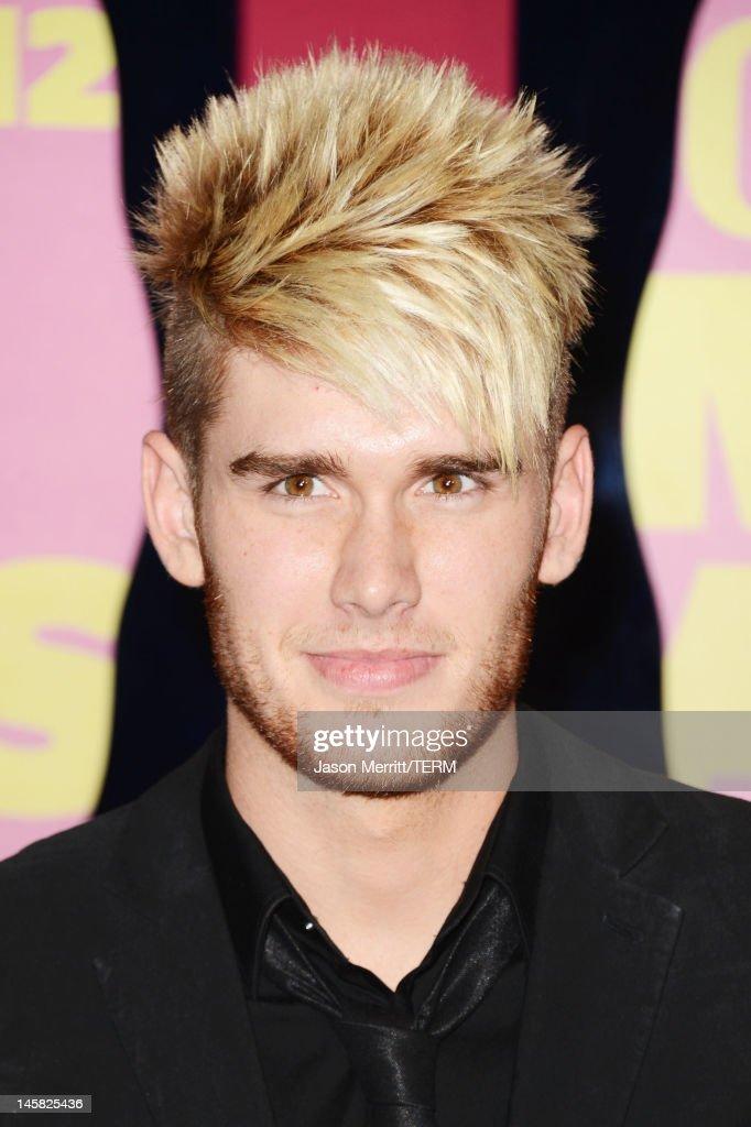 Singer <a gi-track='captionPersonalityLinkClicked' href=/galleries/search?phrase=Colton+Dixon&family=editorial&specificpeople=8953632 ng-click='$event.stopPropagation()'>Colton Dixon</a> arrives at the 2012 CMT Music awards at the Bridgestone Arena on June 6, 2012 in Nashville, Tennessee.