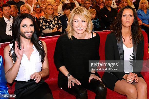 Singer Conchita Wurst Daughterinlaw of Main guest of the show Chantal Ladesou Pauline Lefevre and singer Aude Henneville attend the 'Vivement...