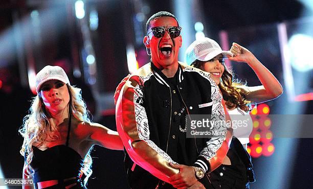Singer Daddy Yankee performs during Telemundo 'La Voz Kids' Finale at Universal Orlando on July 9 2016 in Orlando Florida