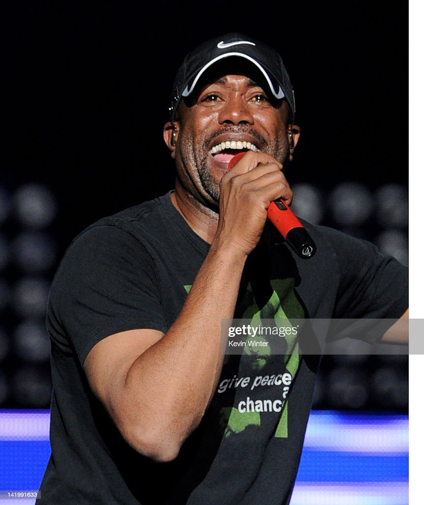 Singer <a gi-track='captionPersonalityLinkClicked' href=/galleries/search?phrase=Darius+Rucker&family=editorial&specificpeople=215161 ng-click='$event.stopPropagation()'>Darius Rucker</a> performs at Staples Center on March 27, 2012 in Los Angeles, California.