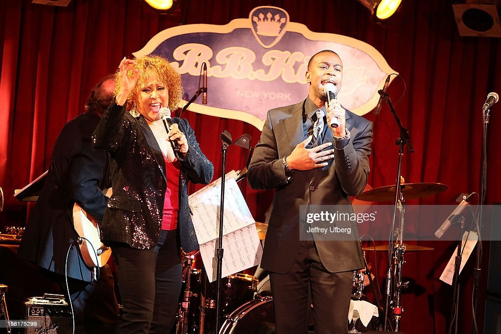 Singer <a gi-track='captionPersonalityLinkClicked' href=/galleries/search?phrase=Darlene+Love&family=editorial&specificpeople=220743 ng-click='$event.stopPropagation()'>Darlene Love</a> performs during the 2012 <a gi-track='captionPersonalityLinkClicked' href=/galleries/search?phrase=Darlene+Love&family=editorial&specificpeople=220743 ng-click='$event.stopPropagation()'>Darlene Love</a> Christmas Show at B.B. King Blues Club & Grill on December 10, 2012 in New York City.