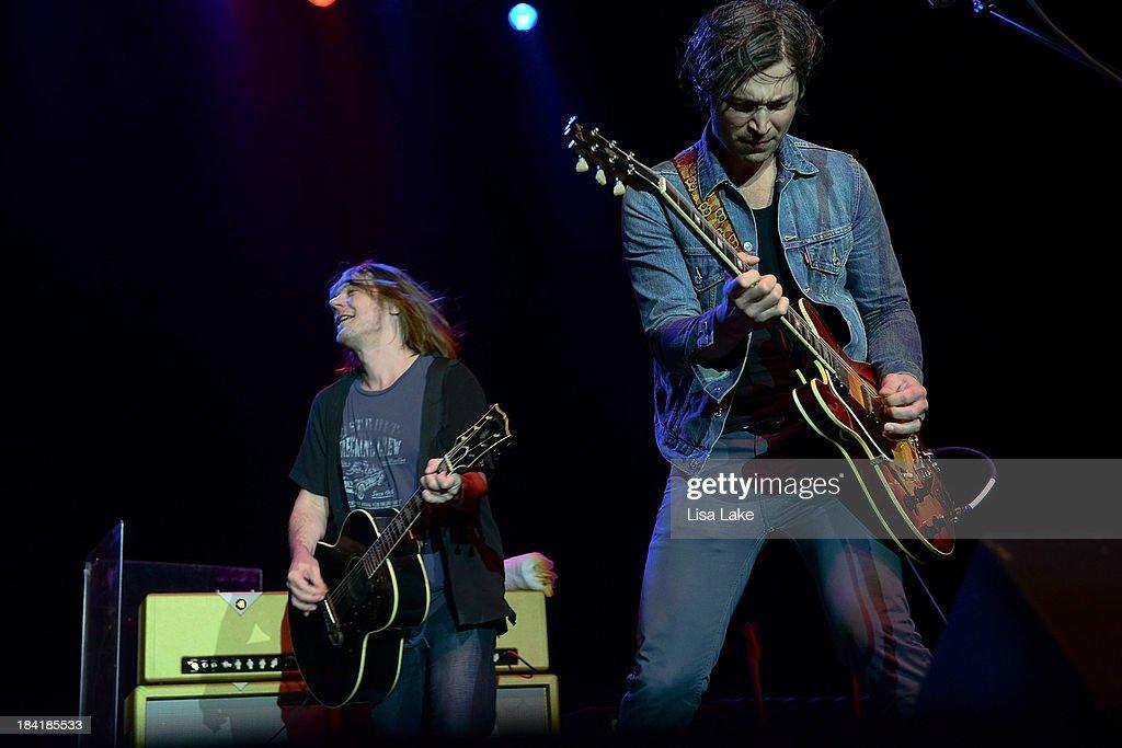 Singer Dave Pirner and guitarist Dan Murphy of Soul Asylum perform at Sands Bethlehem Event Center on October 11, 2013 in Bethlehem, Pennsylvania.