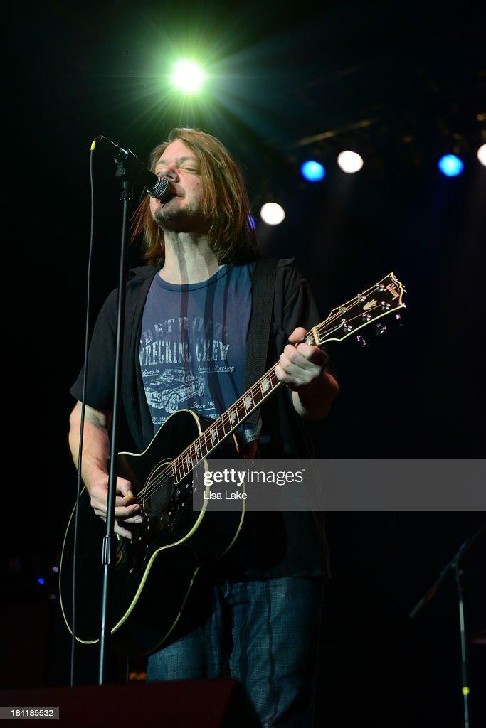 Singer Dave Pirner of Soul Asylum performs at Sands Bethlehem Event Center on October 11, 2013 in Bethlehem, Pennsylvania.