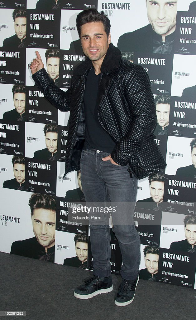 Bustamante Performs in Concert - Photocall