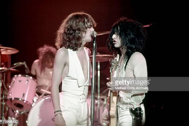 Singer David Johansen guitarist Johnny Thunders drummer Jerry Nolan bassist Arthur Kane and guitarist Sylvain Sylvain of the rock and roll group 'The...