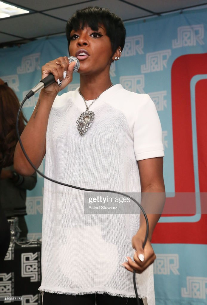 Singer <a gi-track='captionPersonalityLinkClicked' href=/galleries/search?phrase=Dawn+Richard&family=editorial&specificpeople=570573 ng-click='$event.stopPropagation()'>Dawn Richard</a> performs at J&R Music World on January 15, 2013 in New York City.