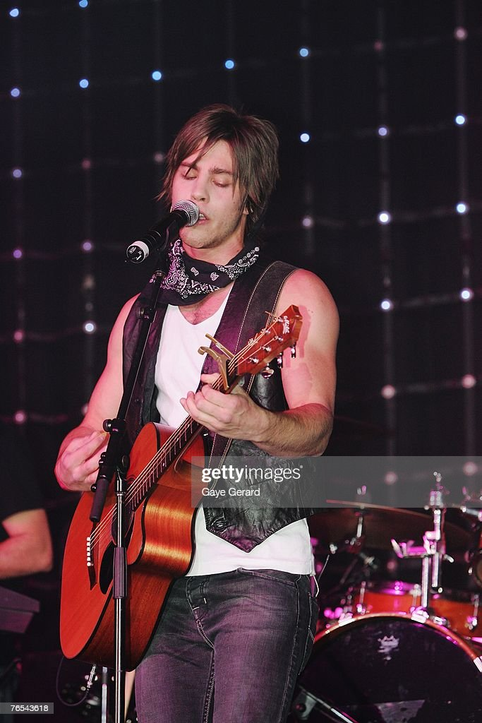 Singer Dean Geyer performs on stage at the Dolly Teen Choice Awards at Luna Park, on September 5, 2007 in Sydney, Australia.
