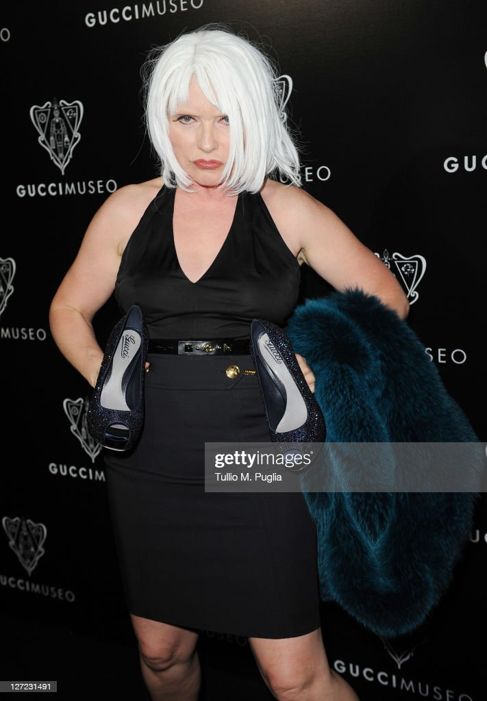 Singer <a gi-track='captionPersonalityLinkClicked' href=/galleries/search?phrase=Debbie+Harry&family=editorial&specificpeople=209145 ng-click='$event.stopPropagation()'>Debbie Harry</a> attends the Gucci Museum opening on September 26, 2011 in Florence, Italy.