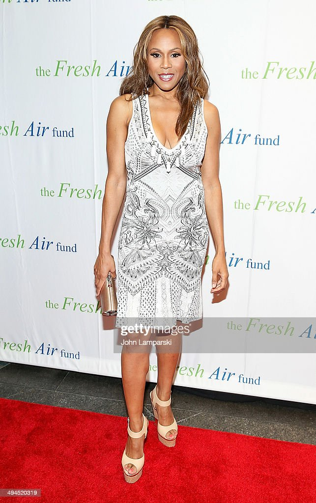 Singer <a gi-track='captionPersonalityLinkClicked' href=/galleries/search?phrase=Deborah+Cox&family=editorial&specificpeople=213023 ng-click='$event.stopPropagation()'>Deborah Cox</a> attends the 2014 Fresh Air Fund Honoring Our American Hero at Pier Sixty at Chelsea Piers on May 29, 2014 in New York City.