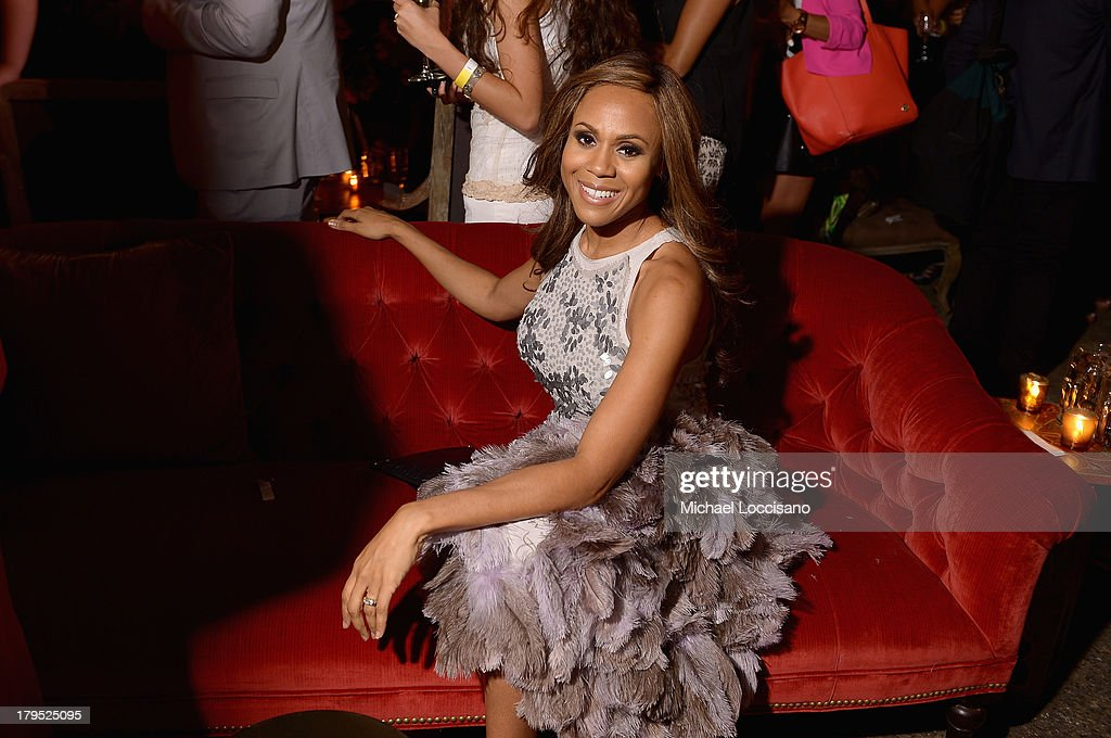 Singer <a gi-track='captionPersonalityLinkClicked' href=/galleries/search?phrase=Deborah+Cox&family=editorial&specificpeople=213023 ng-click='$event.stopPropagation()'>Deborah Cox</a> attends the HBO Boardwalk Empire Fashion Fete with June Ambrose at Houston Hall on September 4, 2013 in New York City.