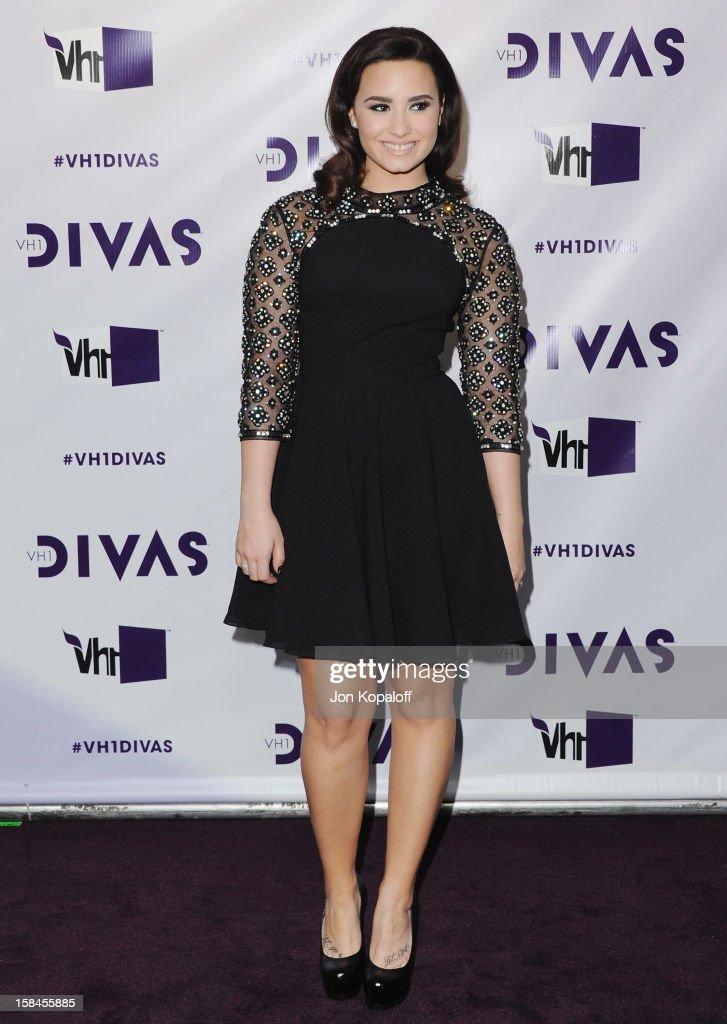 Singer Demi Lovato arrives at the 'VH1 Divas' 2012 at The Shrine Auditorium on December 16, 2012 in Los Angeles, California.