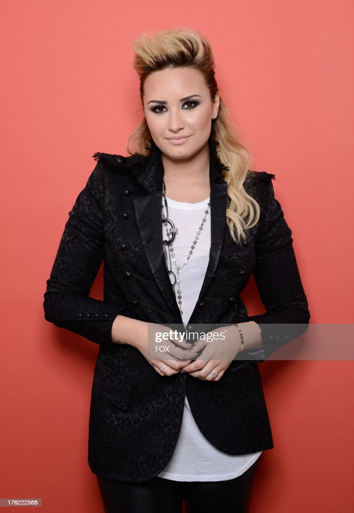 Singer <a gi-track='captionPersonalityLinkClicked' href=/galleries/search?phrase=Demi+Lovato&family=editorial&specificpeople=4897002 ng-click='$event.stopPropagation()'>Demi Lovato</a> attends Fox Teen Choice Awards 2013 held at the Gibson Amphitheatre on August 11, 2013 in Los Angeles, California.