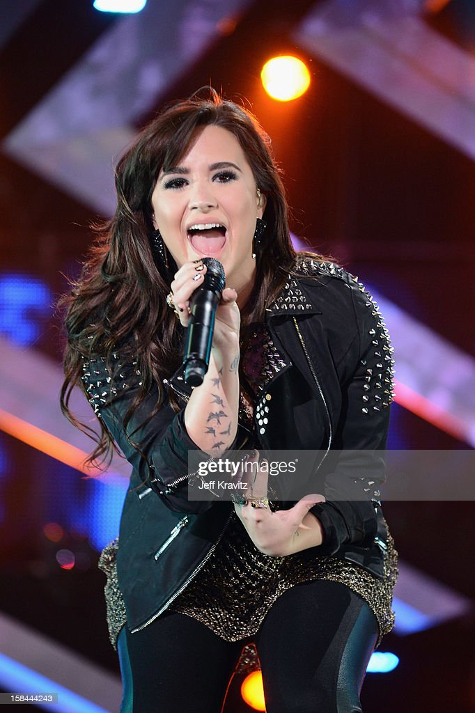 Singer <a gi-track='captionPersonalityLinkClicked' href=/galleries/search?phrase=Demi+Lovato&family=editorial&specificpeople=4897002 ng-click='$event.stopPropagation()'>Demi Lovato</a> performs on stage at 'VH1 Divas' 2012 at The Shrine Auditorium on December 16, 2012 in Los Angeles, California.