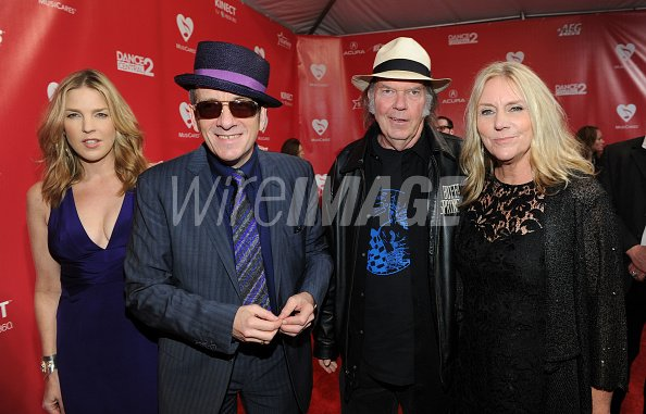 Singer Diana Krall and musicians...