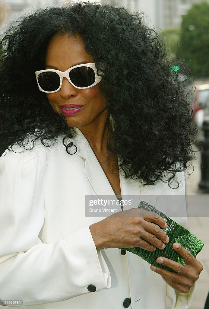 Singer Diana Ross arrives at the Tatler Summer Party in the Baglioni Hotel on July 1, 2004 in London.