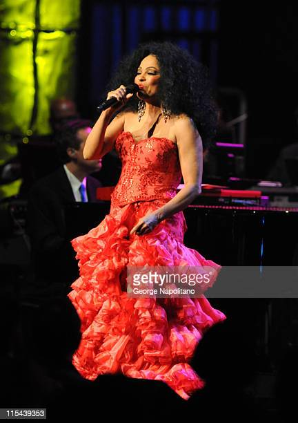 Singer Diana Ross performs at 'Divas With Heart' at Radio City Music Hall on May 4 2008 in New York City