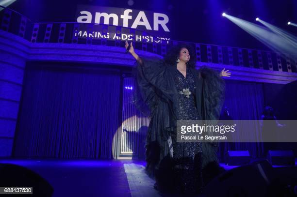 Singer Diana Ross performs at the amfAR Gala Cannes 2017 at Hotel du CapEdenRoc on May 25 2017 in Cap d'Antibes France