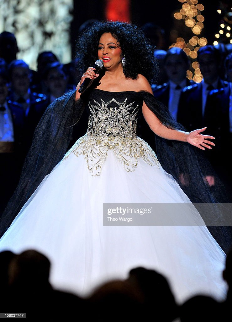 Singer <a gi-track='captionPersonalityLinkClicked' href=/galleries/search?phrase=Diana+Ross&family=editorial&specificpeople=202836 ng-click='$event.stopPropagation()'>Diana Ross</a> performs onstage during TNT Christmas in Washington 2012 at National Building Museum on December 9, 2012 in Washington, DC. 23098_002_TW_0575.JPG