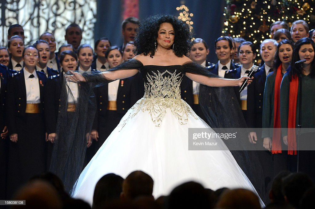 Singer <a gi-track='captionPersonalityLinkClicked' href=/galleries/search?phrase=Diana+Ross&family=editorial&specificpeople=202836 ng-click='$event.stopPropagation()'>Diana Ross</a> performs onstage during TNT Christmas in Washington 2012 at National Building Museum on December 9, 2012 in Washington, DC. 23098_003_KM_1974.JPG