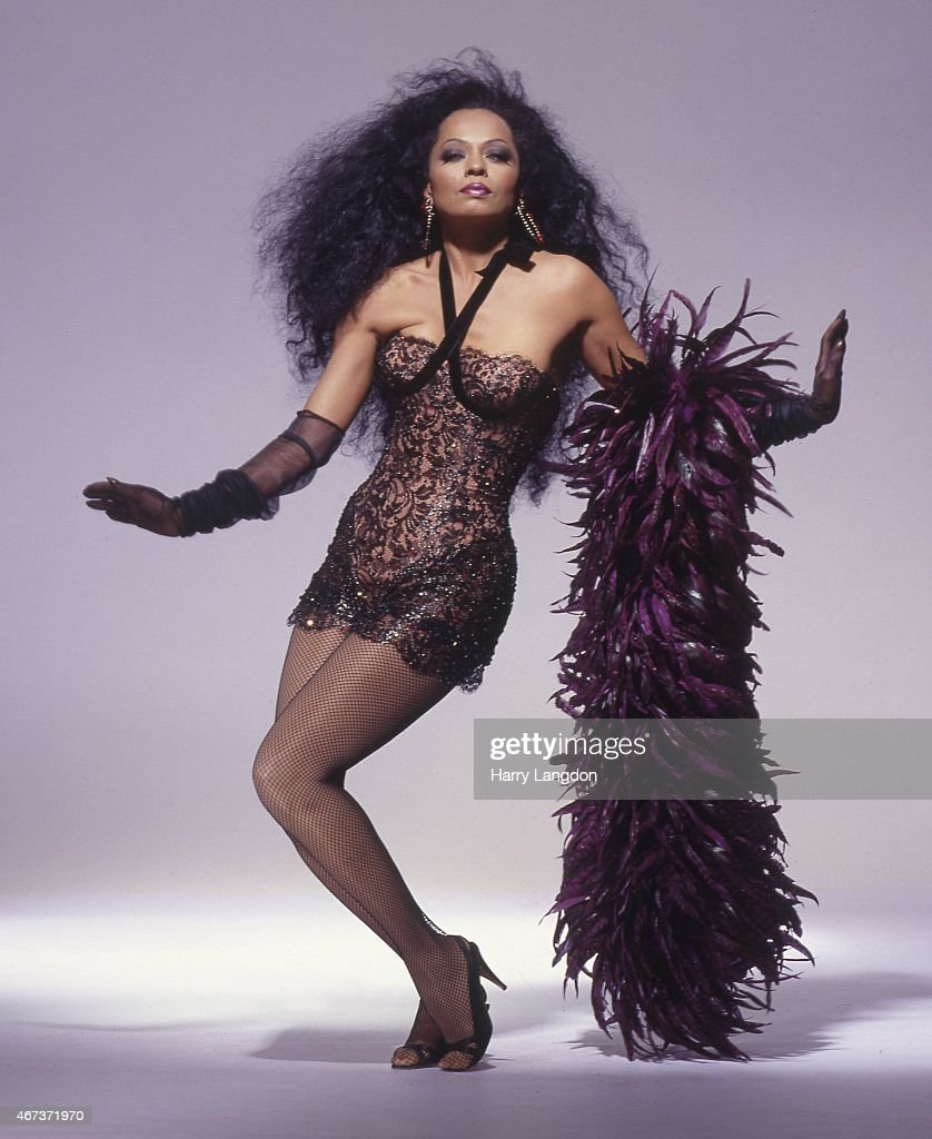 Singer <a gi-track='captionPersonalityLinkClicked' href=/galleries/search?phrase=Diana+Ross&family=editorial&specificpeople=202836 ng-click='$event.stopPropagation()'>Diana Ross</a> poses for a portrait in 1987 in Los Angeles, California.