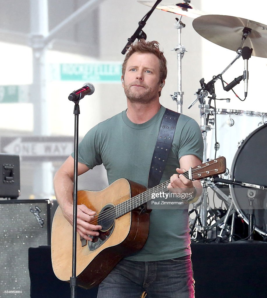 Singer Dierks Bentley Dierks Bentley Performs On NBC's 'Today' at Rockefeller Plaza on May 27, 2016 in New York City.