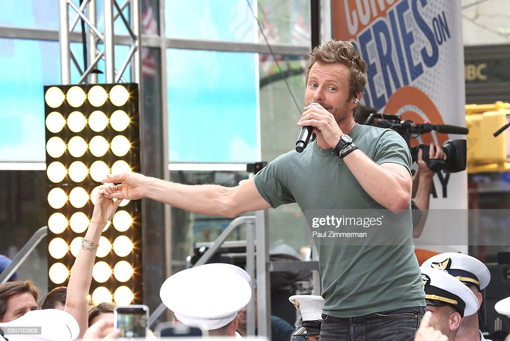 Singer Dierks Bentley performs at Dierks Bentley Performs On NBC's 'Today' Rockefeller Plaza on May 27, 2016 in New York City.