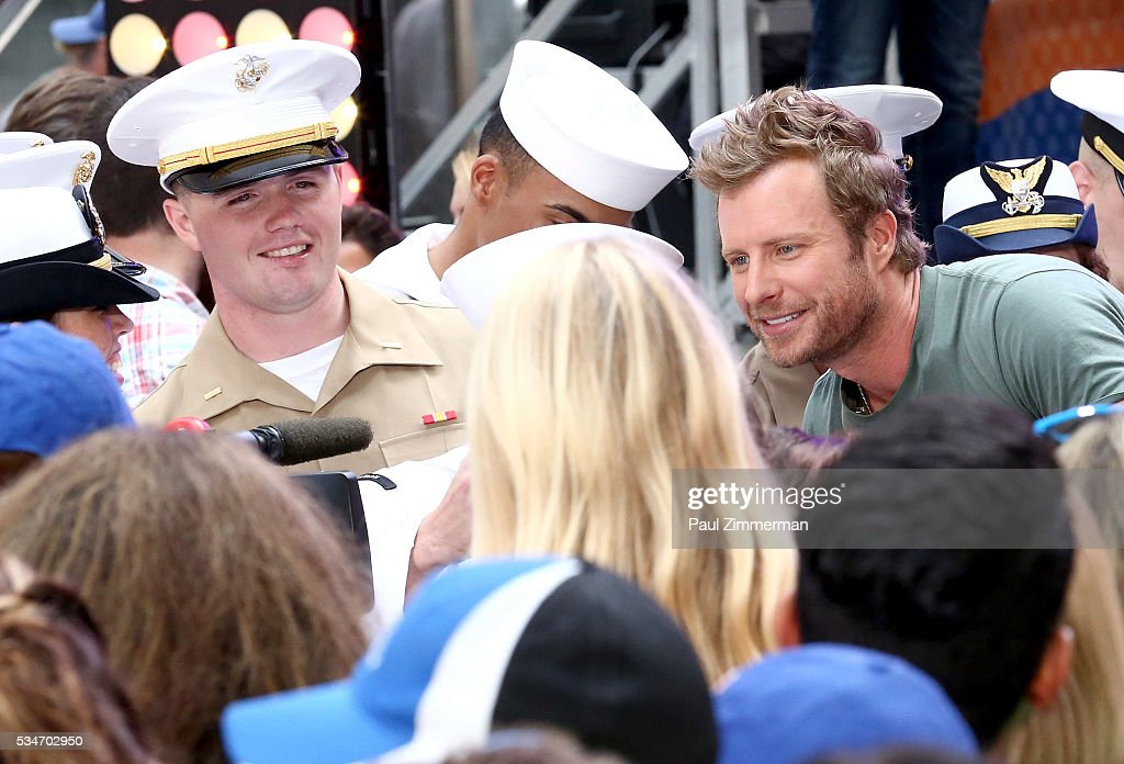 Singer <a gi-track='captionPersonalityLinkClicked' href=/galleries/search?phrase=Dierks+Bentley&family=editorial&specificpeople=243007 ng-click='$event.stopPropagation()'>Dierks Bentley</a> Performs On NBC's 'Today' at Rockefeller Plaza on May 27, 2016 in New York City.