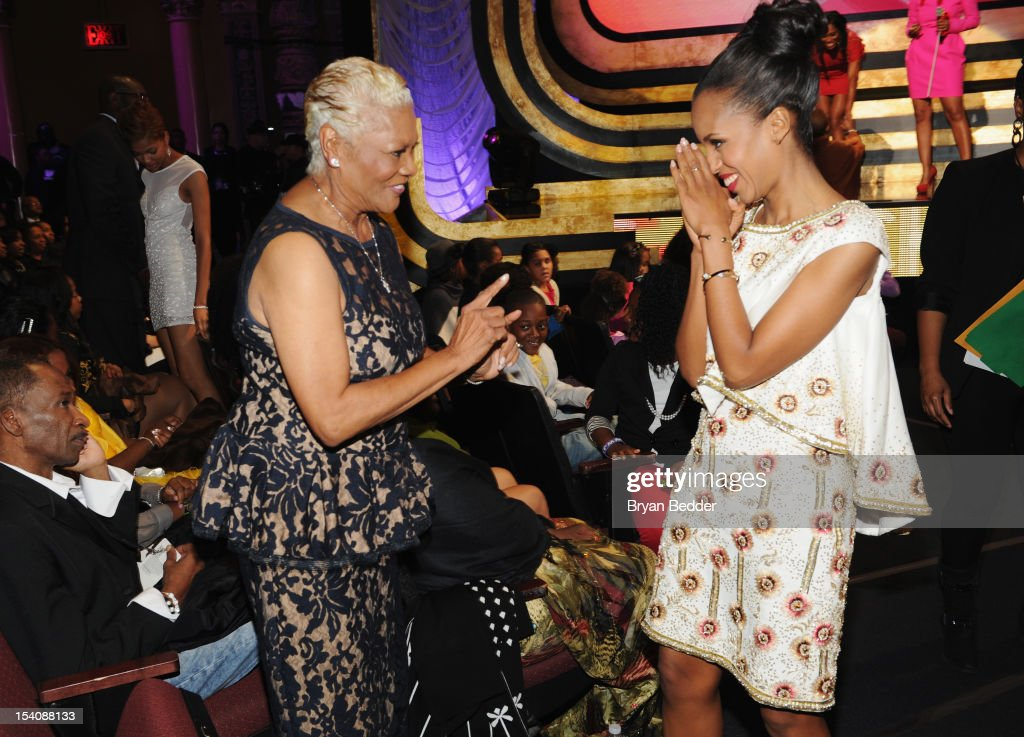 Singer <a gi-track='captionPersonalityLinkClicked' href=/galleries/search?phrase=Dionne+Warwick&family=editorial&specificpeople=213111 ng-click='$event.stopPropagation()'>Dionne Warwick</a> (L) and actress <a gi-track='captionPersonalityLinkClicked' href=/galleries/search?phrase=Kerry+Washington&family=editorial&specificpeople=201534 ng-click='$event.stopPropagation()'>Kerry Washington</a> attend BET's Black Girls Rock 2012 at Paradise Theater on October 13, 2012 in New York City.