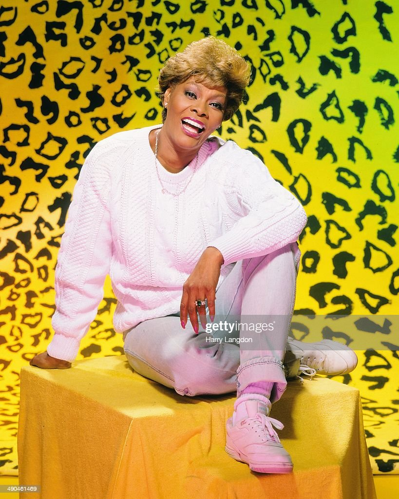 Singer <a gi-track='captionPersonalityLinkClicked' href=/galleries/search?phrase=Dionne+Warwick&family=editorial&specificpeople=213111 ng-click='$event.stopPropagation()'>Dionne Warwick</a> poses for a portrait in 1989 in Los Angeles, California.