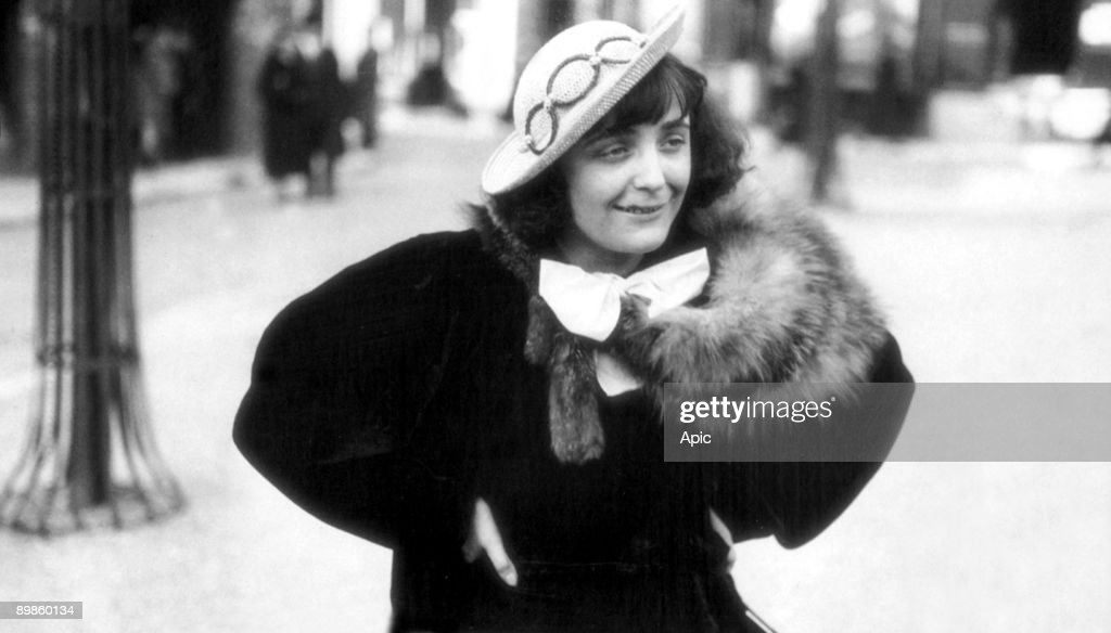 singer Edith Piaf in Montmartre, 1936