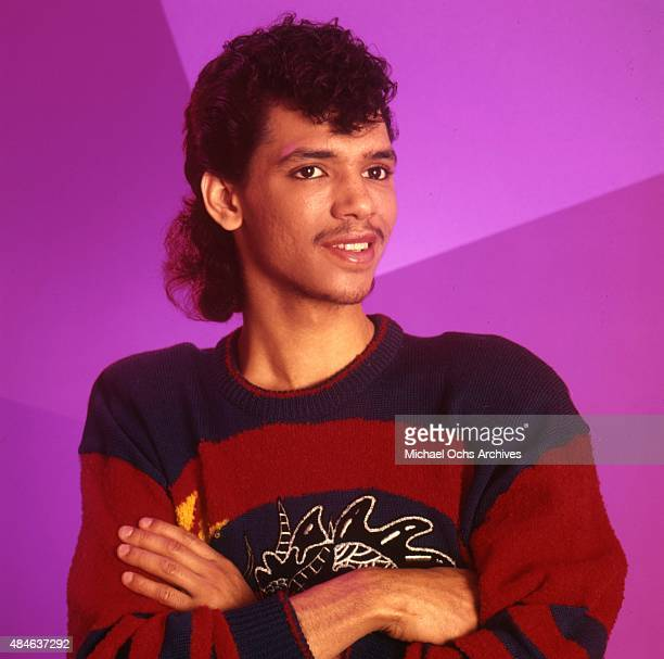 Singer El DeBarge poses for a portrait session on 1983 in Los Angeles California