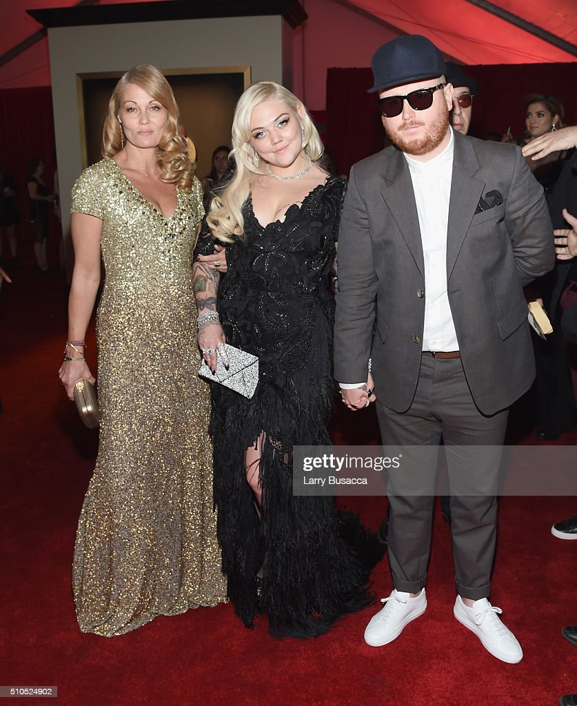 Singer Elle King (C) and guests attend The 58th GRAMMY Awards at Staples Center on February 15, 2016 in Los Angeles, California.