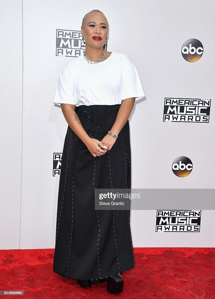 singer-emeli-sande-attends-the-2016-american-music-awards-at-theater-picture-id624693986