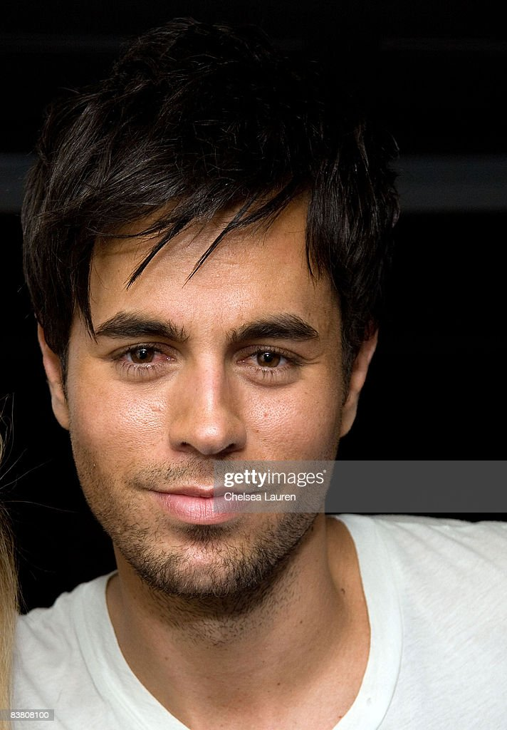 Singer Enrique Iglesias arrives at Interscope Geffen and AM Records Official American Music Awards After Party at Boulevard3 on November 23 2008 in...