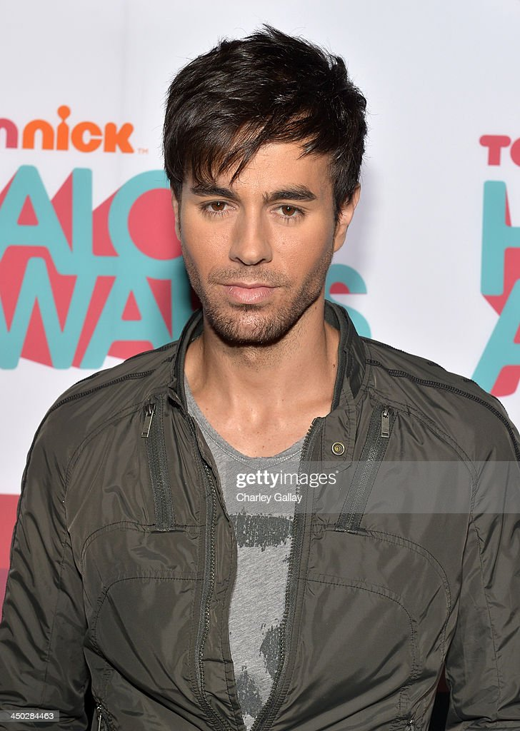 Singer <a gi-track='captionPersonalityLinkClicked' href=/galleries/search?phrase=Enrique+Iglesias+-+Singer&family=editorial&specificpeople=202672 ng-click='$event.stopPropagation()'>Enrique Iglesias</a> arrives at the 5th Annual TeenNick HALO Awards at Hollywood Palladium on November 17, 2013 in Hollywood, California.