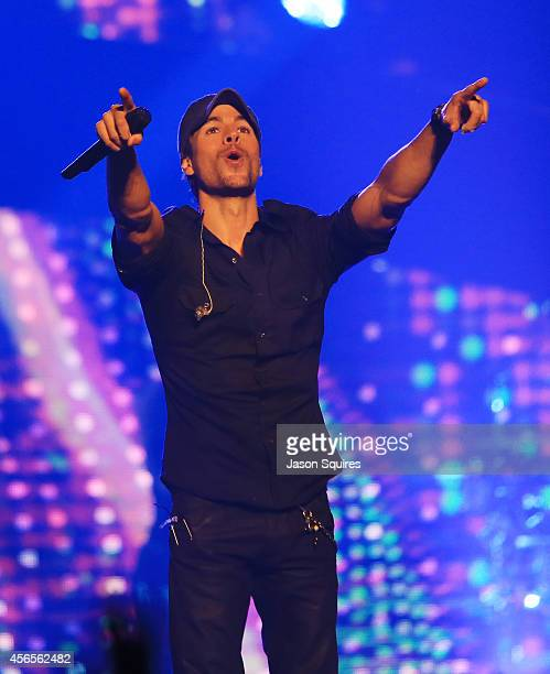 Singer Enrique Iglesias performs at Sprint Center on October 2 2014 in Kansas City Missouri