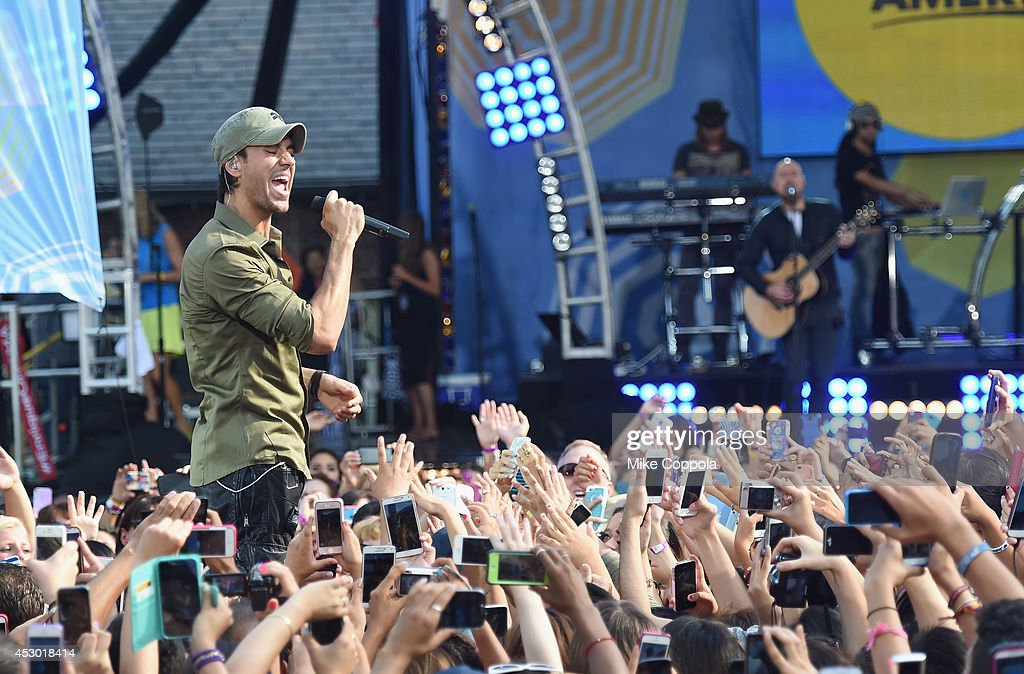 Singer <a gi-track='captionPersonalityLinkClicked' href=/galleries/search?phrase=Enrique+Iglesias+-+Singer&family=editorial&specificpeople=202672 ng-click='$event.stopPropagation()'>Enrique Iglesias</a> performs On ABC's 'Good Morning America' at Rumsey Playfield, Central Park on August 1, 2014 in New York City.