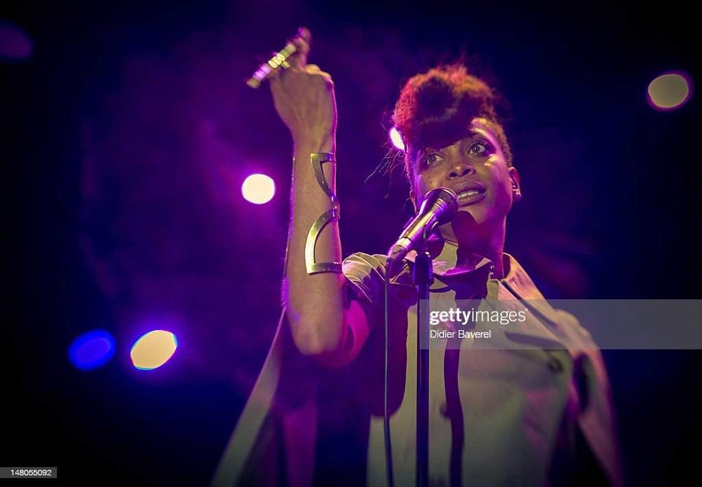 Singer <a gi-track='captionPersonalityLinkClicked' href=/galleries/search?phrase=Erykah+Badu&family=editorial&specificpeople=224744 ng-click='$event.stopPropagation()'>Erykah Badu</a> performs on stage at Nice Jazz Festival at Jardin Albert 1er on July 8, 2012 in Nice, France.